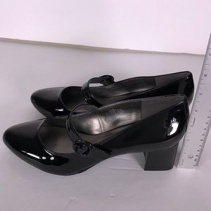 Bandolino Shoes - Bandolino Bonni Black Faux Patent Heels
